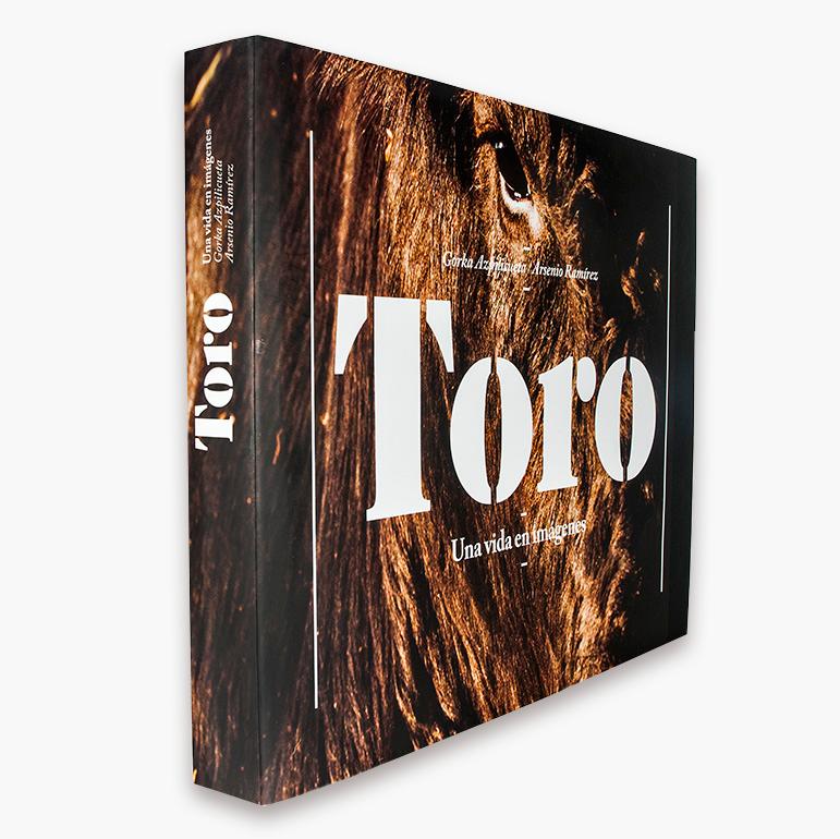 TORO. Una vida en imágenes